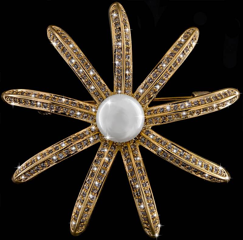 Brosche Seestern goldfarben mit einer Perle und vielen weissen Strass Steinen BR047 oben