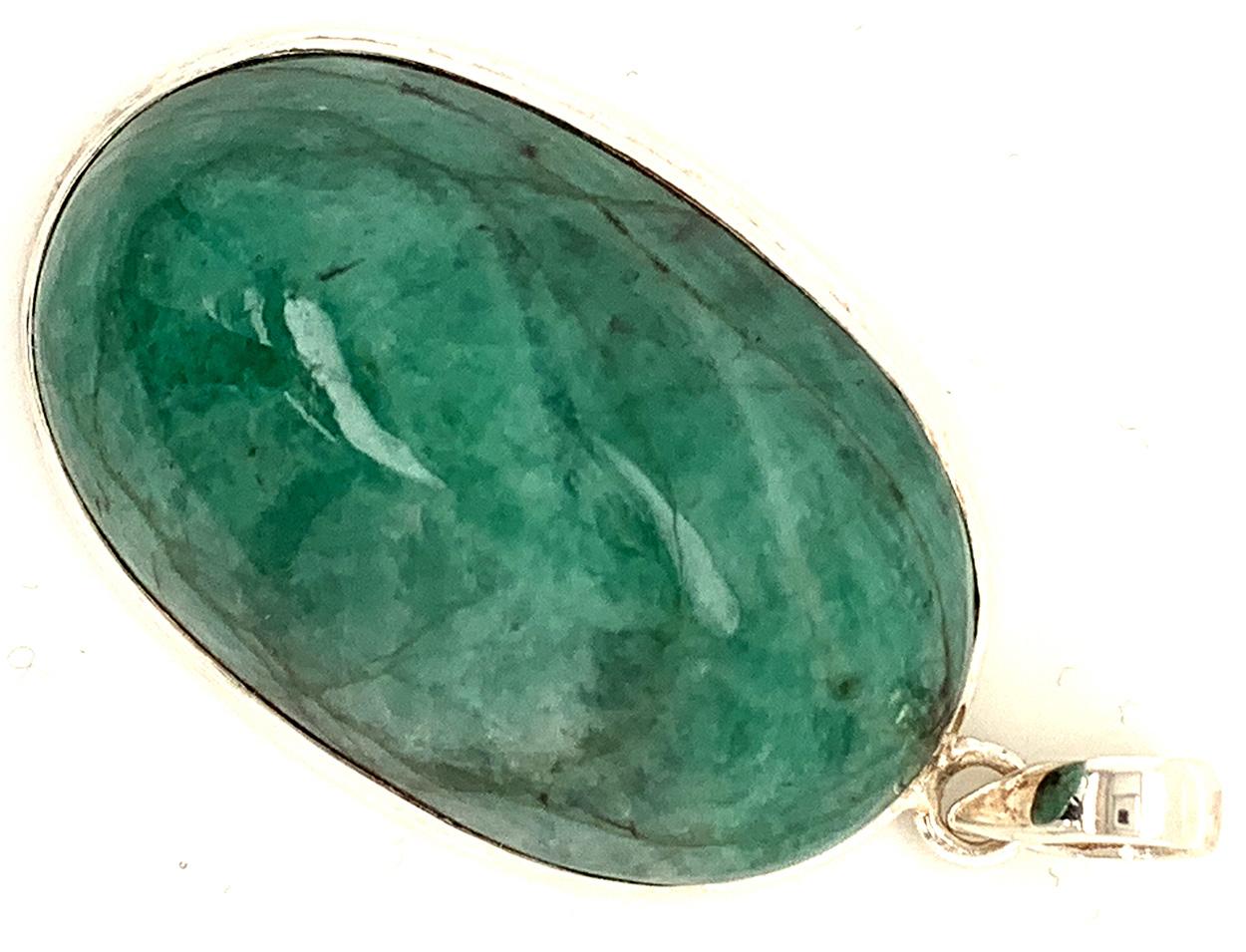 Härte 7.5-8 auf der Mohs Härteskala. Die Bilder zeigen den original Stein mit Anhänger, welchen Sie von uns nach dem Kauf erhalten werden.