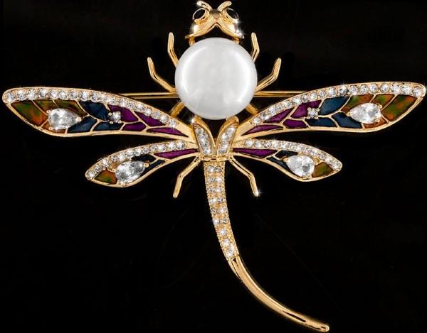 Brosche Libelle mit Perle goldfarben mit Perle, schwarzen und vielen weissen Strass Steinen BR030