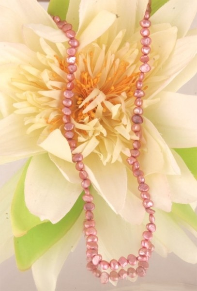 E105 Echter Süßwasser-Perlen-Strang irregular 5-6mm 38cm lang offen rosa