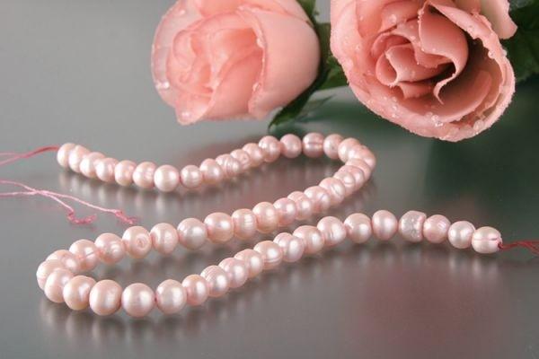 P082 Echter Süßwasser-Perlen-Strang barock 7-8mm ca.38cm lang offen rosé