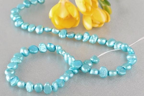 P399 Echter Süßwasser-Perlen-Strang irregular 5-6mm 40cm lang offen hellblau