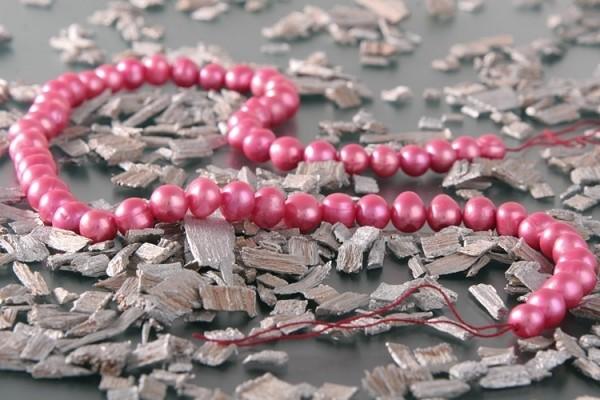 P077 Echter Süßwasser-Perlen-Strang barock 7-8mm 42cm lang offen rosarot
