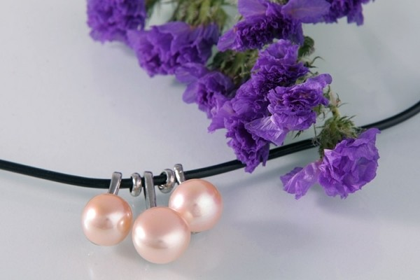 Echtes Zucht-Perlen-Collier P037 3-Perlen Lachs-Farben auf Kautschukband gezogen NEU