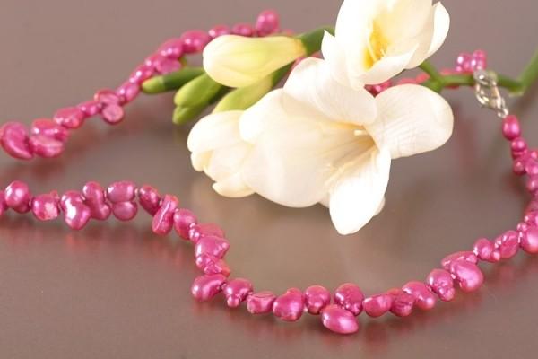 Perlenkette P389 Barocke Zuchtperlen ca. 8mm Pink