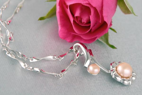 Perlenkette Anhänger Blume mit Süßwasserzuchtperle Lachsfarben Rose versilbert rhodiniert P236