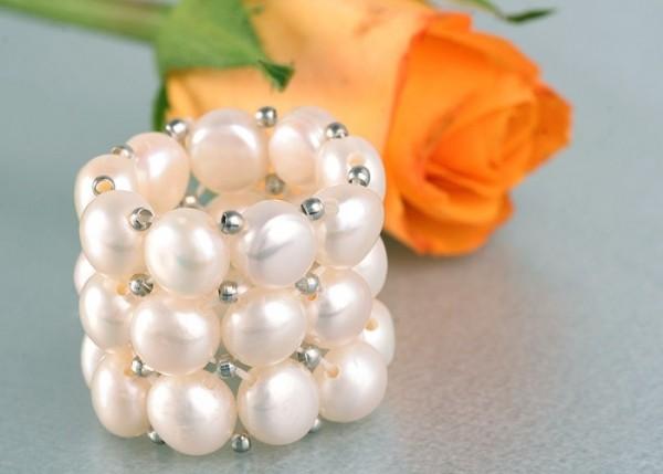 Echter Zucht-Perlenring 3-Reihig mit silberfarbenen Kugeln