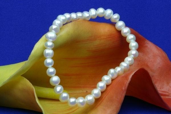 1-Reihiges Stretch Süsswasser Zucht-Perlen Stretch-Armband ca. 6-7mm weiss