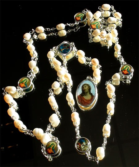 Rosenkranz mit Echte Zuchtperlen Christus und Heiligenbilder