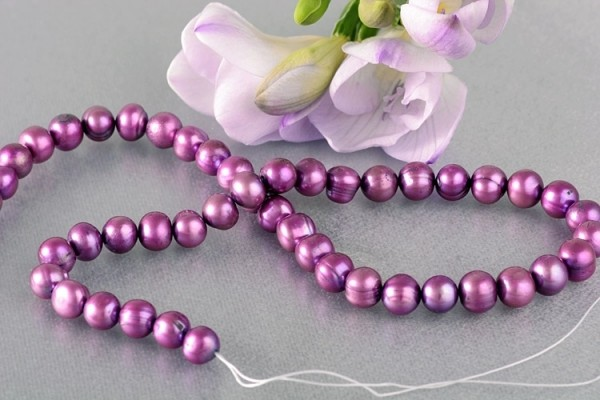 P394 Echter Süßwasser-Perlen-Strang barock 8-9mm 40cm lang offen Pink metallic