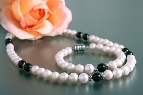 Echtes Zucht-Perlen-Set P019 Kette+Armband weiß mit Onyx abgesetzt
