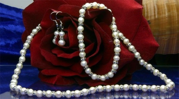 3-er Zucht-Perlenset Weiß Armband + Kette + Ohrringe - ST 02